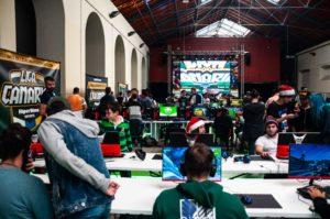 encuentro de gamers en el marco de la Liga Canaria de Esports HiperDino
