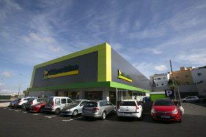 Fachada del supermercado HiperDino del barrio de La Suerte en LPGC_mod
