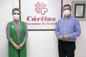Virginia Ávila, directora de la Fundación DinoSol, y Juan Rognoni, director de Cáritas Diocesana de Tenerife