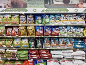 Fundación DinoSol ha donado más de 17.000 kilos de comida para animales