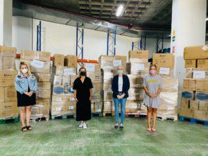 HiperDino entrega a los ayuntamientos de El Paso, Los Llanos de Aridane y Tazacorte las donaciones de clientes