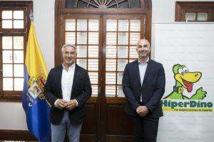 Patricio Viñayo, director general de la UD Las Palmas, y Carlos García, director de Marketing y Comunicación de HiperDino (1)